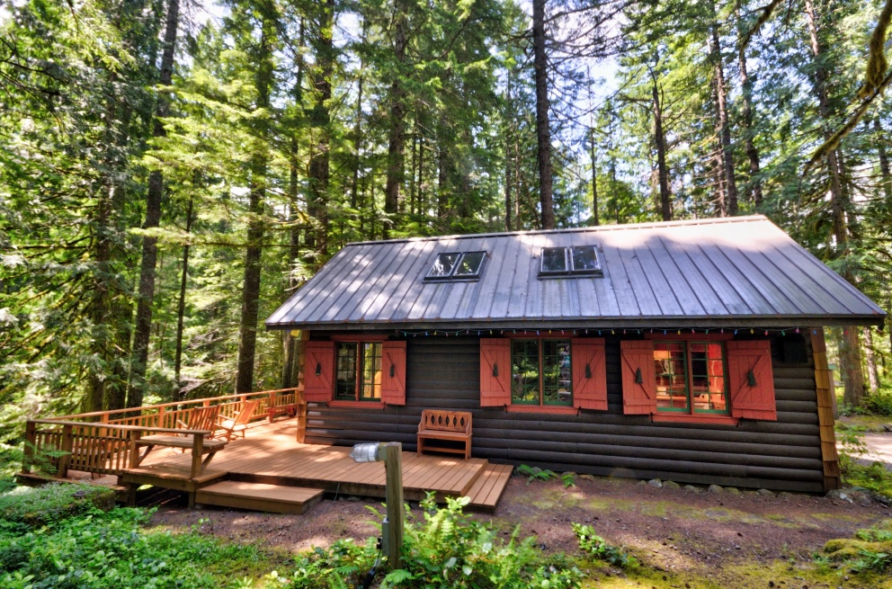 Mt. Hood Log Cabin on Camp Creek