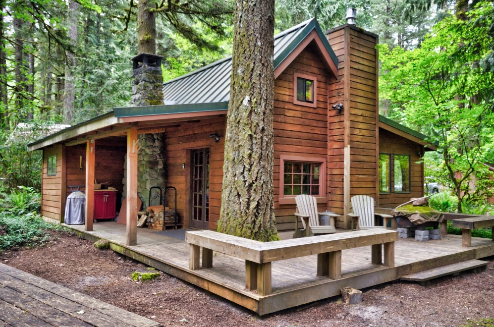 Mt. Hood Sandy Riverfront cabin