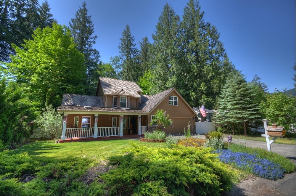 Twinberry Loop Welches Oregon Three Bedroom with Bonus Area