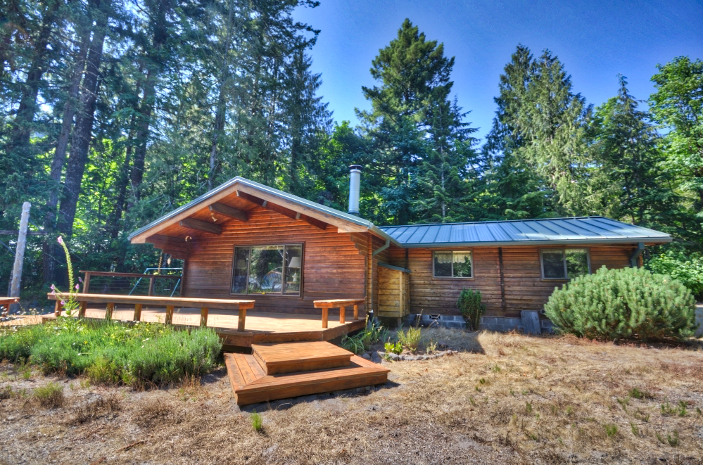 Sandy Riverfront Acreage with Log Cabin on Mt. Hood near Rhododendron 97049