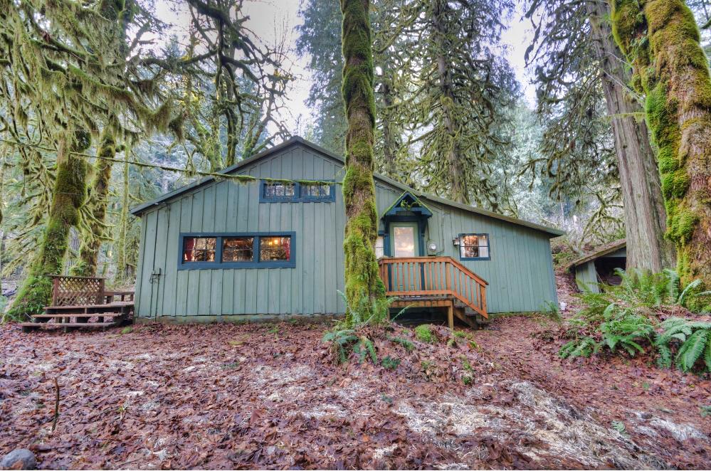 Still Creek Cabin in Rhododendron, Oregon 97049