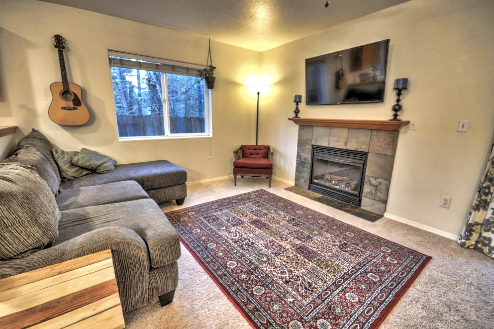 Living room of townhouse on Twinberry Loop in Welches, Oregon