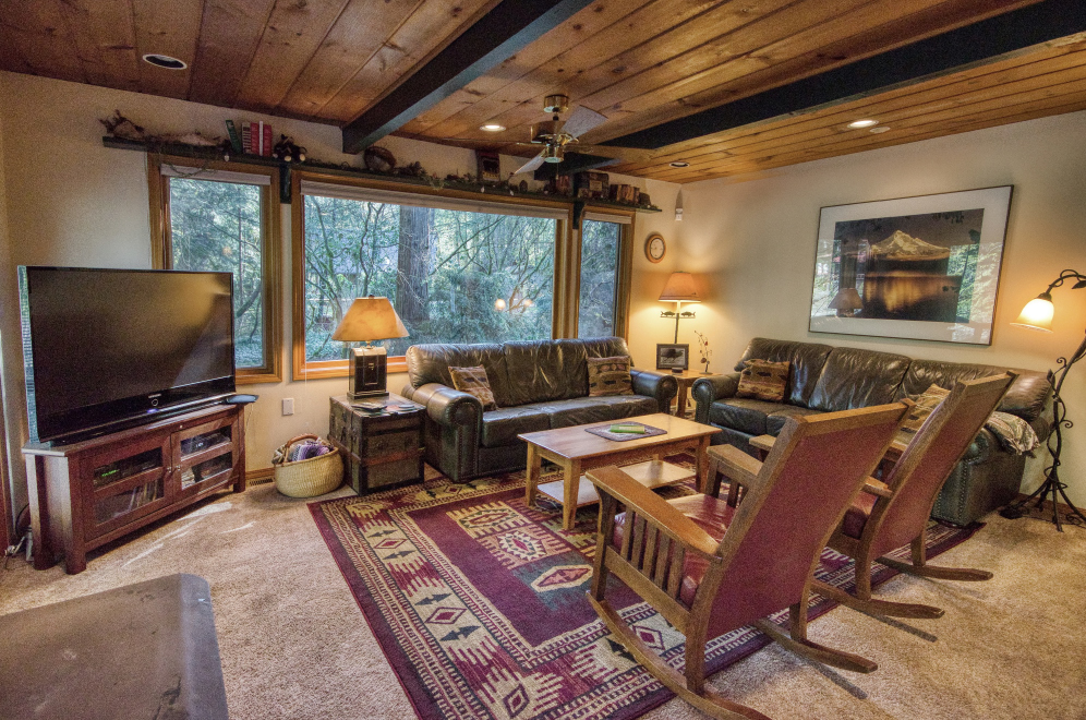Beamed Ceilings in your Salmon River getaway