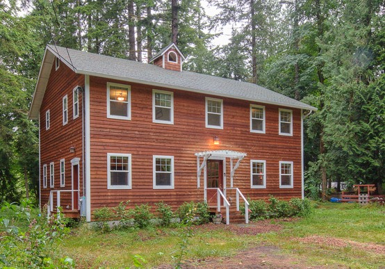 Hand crafted Sandy Riverfront Home in Sandy Oregon