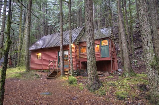 Mt. Hood National Forest Cabin