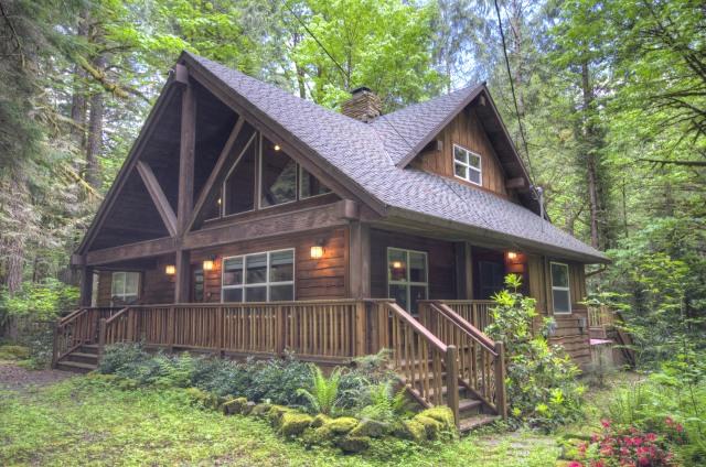 Custom Built Boulder Creek Three Bedroom Home in Brightwood, Oregon