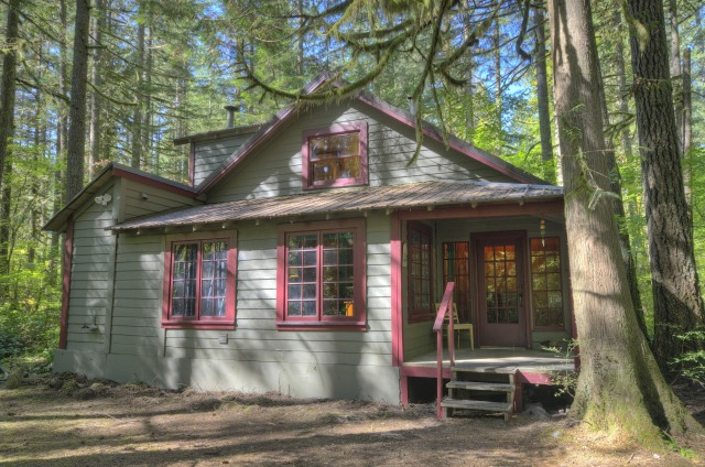 Mt Hood National Forest Cabin in Rhododendron, Oregon