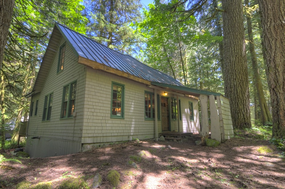 Mt. Hood National Forest Cabin in Rhododendron Oregon
