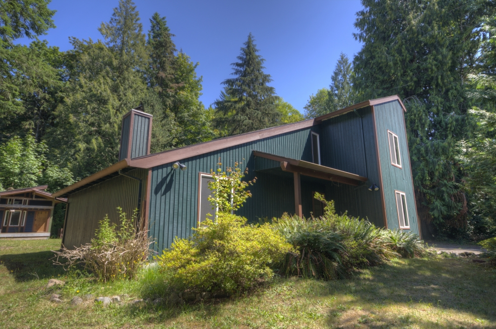 Four Bedroom Welches Home on Nearly Quarter of an Acre