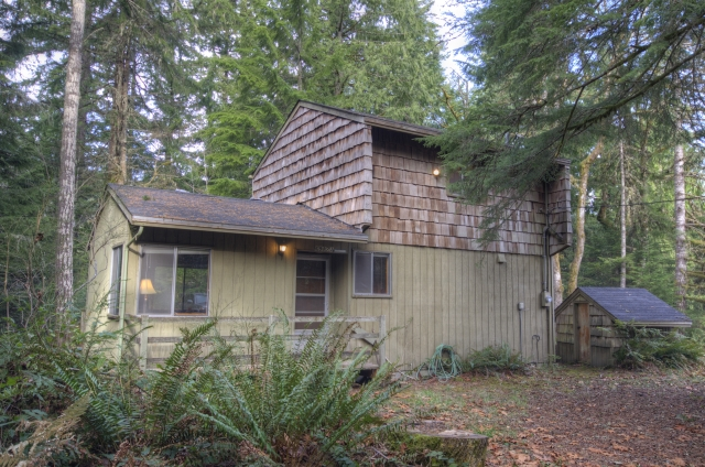 Sandy Riverfront Cabin In Rhododendron Oregon