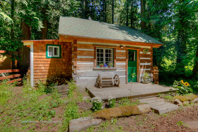 Hand Built Log Cabin Outbuilding in Sandy Oregon