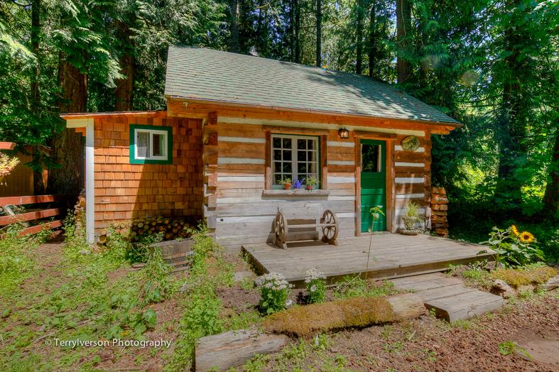 Hand Built Log Cabin Outbuilding in Sandy Oregon