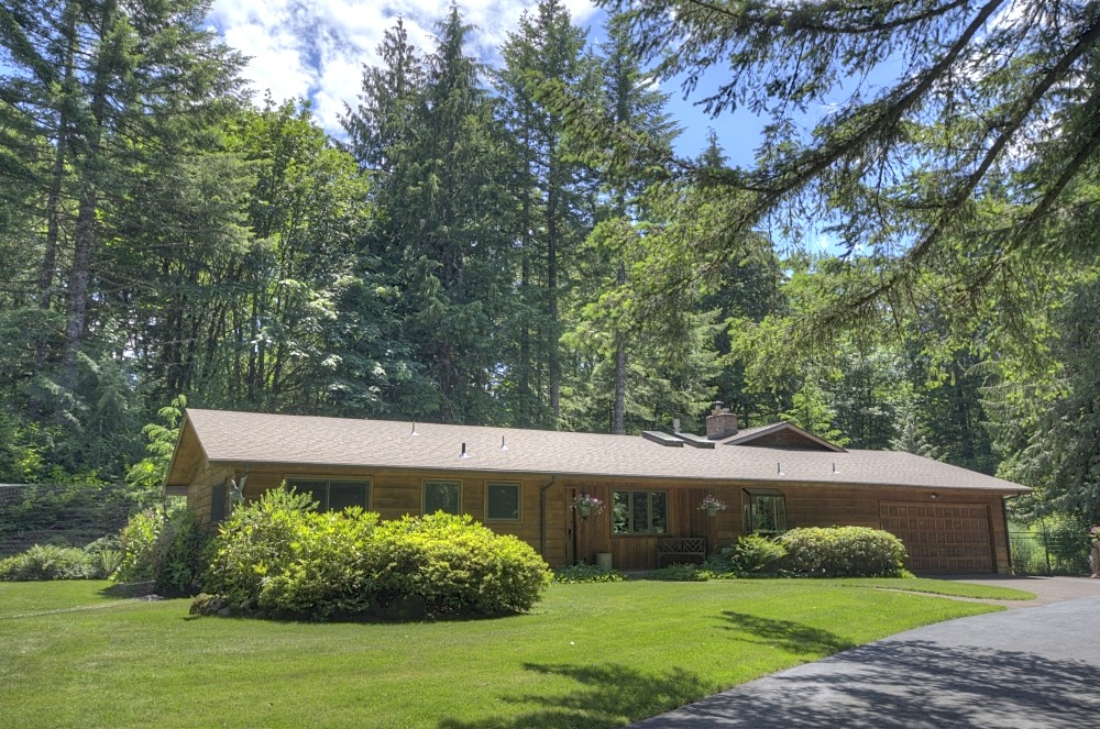 Mt. Hood One Level Home on Over 1.5 Acres