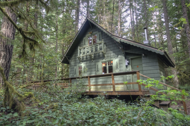 Mt. Hood National Forest Cabin on the Zig Zag River