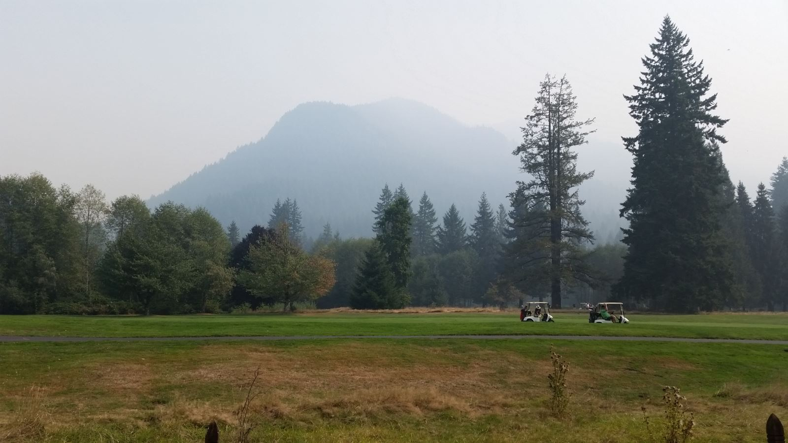 Welches Oregon Smoke from the 36 Pit Fire in Estacada