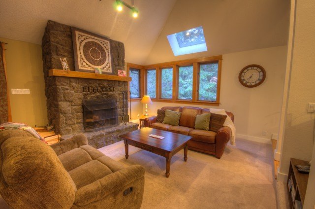 Bright Avenue Home at the Resort at the Mountain Welches, Oregon golf course home