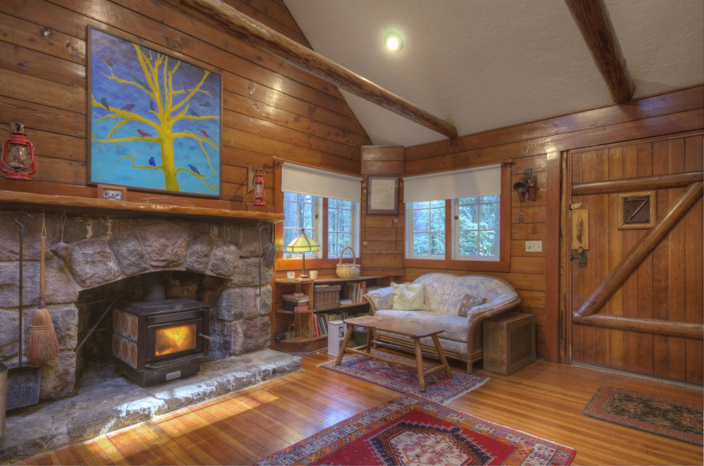 Mt. Hood Classic 1935 Cabin in Brightwood, Oregon on Half Acre