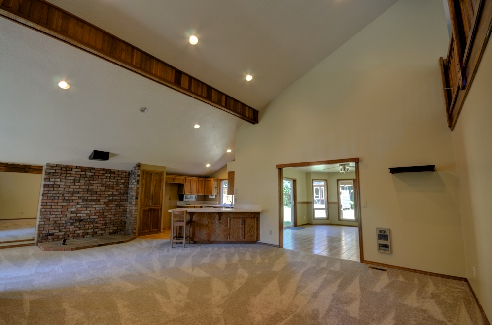 Four Bedroom Home on Twinberry Loop in Welches Oregon