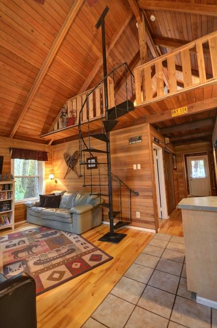 Rhododendron Oregon Ski Cabin