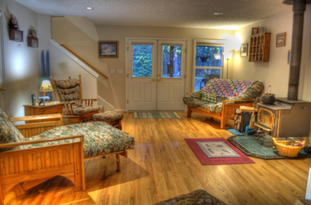 Hardwood floors in this Rhododendron home for sale