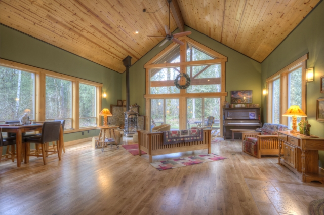 Mt. Hood Lodge with Vaulted Ceilings and wood floors in Rhododendron