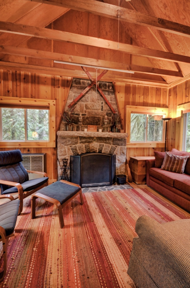 Camp Creek cabin with Stone Fireplace near Government Camp Oregon