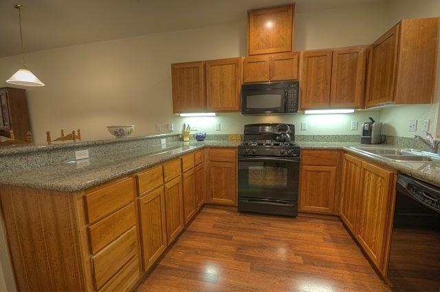 Collins Lake Condo Kitchen with Granite Counter Tops Government Camp Oregon