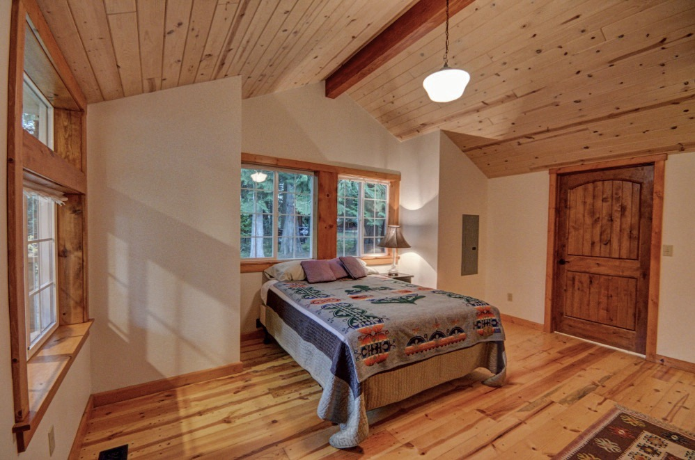 Mt. Hood Classic Cascadian Cabin Near Brightwood, Oregon