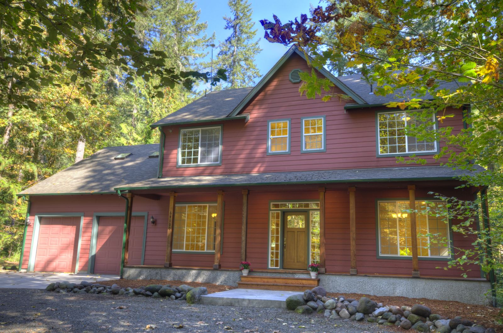 Custom Built Rhododendron Oregon Home with Four Bedrooms near the Sandy River
